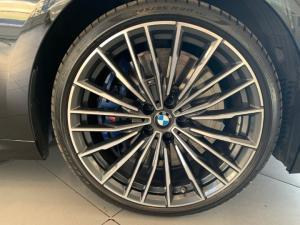 BMW M850i Xdrive Convertible - Image 18
