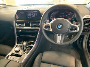 BMW M850i Xdrive Convertible - Image 19