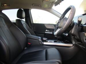 Mercedes-Benz B200 automatic - Image 3