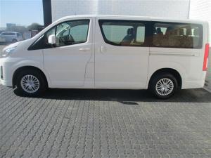 Toyota Quantum 2.8 LWB bus 11-seater GL - Image 3