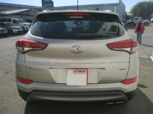 Hyundai Tucson 1.6 Turbo Executive - Image 4