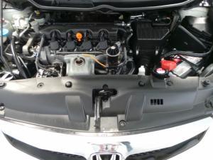 Honda Civic sedan 1.8 LXi - Image 12
