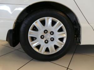 Honda Civic sedan 1.8 LXi - Image 14
