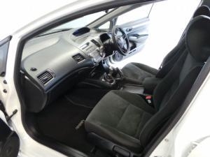 Honda Civic sedan 1.8 LXi - Image 7