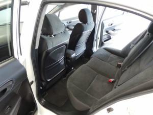 Honda Civic sedan 1.8 LXi - Image 8