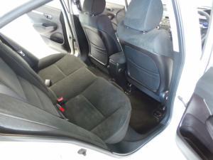 Honda Civic sedan 1.8 LXi - Image 9