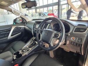 Mitsubishi Pajero Sport 2.4 D4 4x4 - Image 11