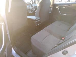 Toyota RAV4 2.0 GX auto - Image 6