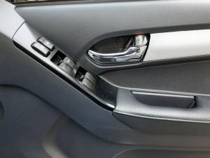 Isuzu D-Max 300 3.0TD double cab 4x4 LX auto - Image 14