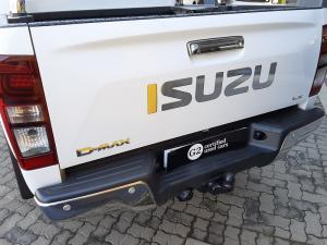 Isuzu D-Max 300 3.0TD double cab 4x4 LX auto - Image 5