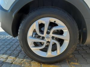 Opel Crossland X 1.6TD Enjoy - Image 11