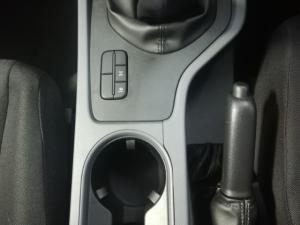 Ford Ranger 2.2TDCi XLS/C - Image 3