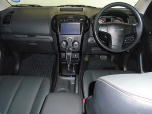 Isuzu D-MAX 300 HI-RIDER automatic D/C - Image 21