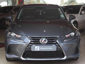 Lexus IS 200t EX - Image 2