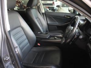 Lexus IS 200t EX - Image 5