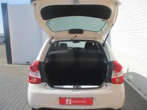 Toyota Etios hatch 1.5 Xi - Image 11
