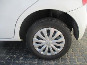Toyota Etios hatch 1.5 Xi - Image 12
