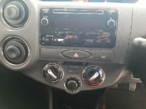 Toyota Etios sedan 1.5 Xs - Image 9