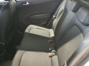 Hyundai Grand i10 1.2 Fluid - Image 10