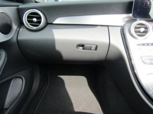 Mercedes-Benz C200 Cabrio automatic - Image 13