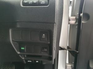 Nissan X Trail 2.5 Acenta 4X4 CVT - Image 8