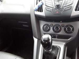 Ford Focus sedan 1.6 Trend - Image 12