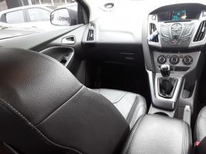 Ford Focus sedan 1.6 Trend - Image 15