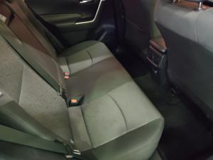 Toyota RAV4 2.0 GX auto - Image 13