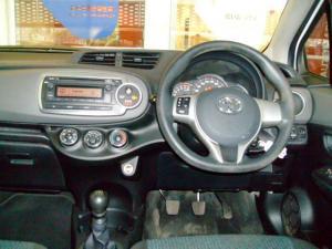 Toyota Yaris 5-door 1.3 XS - Image 5