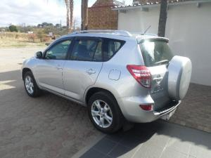 Toyota RAV4 2.0 GX - Image 14