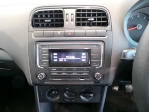 Volkswagen Polo Vivo hatch 1.4 Comfortline - Image 15