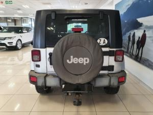 Jeep Wrangler 2.8CRD Sahara - Image 4