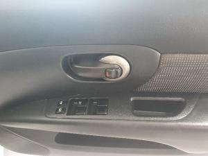 Nissan Livina 1.6 Acenta - Image 8