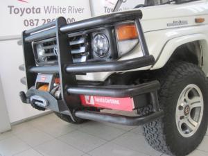 Toyota Land Cruiser 4.5 PetrolS/C - Image 6