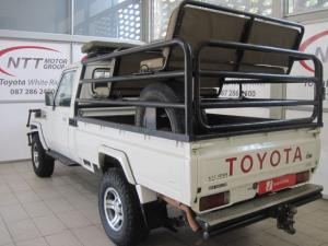Toyota Land Cruiser 4.5 PetrolS/C - Image 8