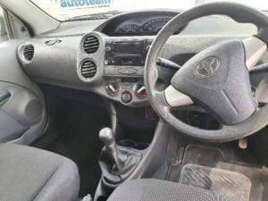 Toyota Etios hatch 1.5 Xs - Image 9