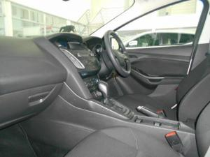 Ford Focus sedan 1.0T Ambiente auto - Image 9