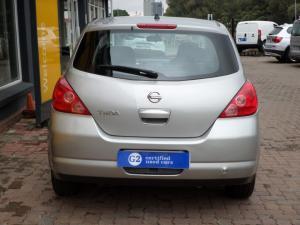 Nissan Tiida hatch 1.6 Visia+ - Image 5