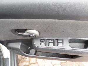 Nissan Tiida hatch 1.6 Visia+ - Image 8