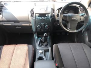 Isuzu D-Max 250 double cab 4x4 Hi-Ride - Image 11