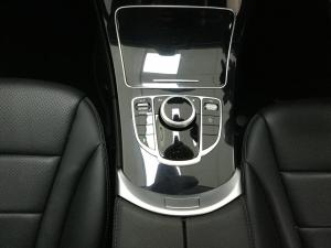 Mercedes-Benz C-Class C180 - Image 18