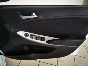 Hyundai Accent 1.6 GLS - Image 11