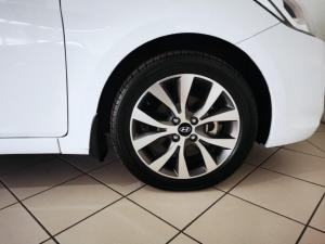 Hyundai Accent 1.6 GLS - Image 17