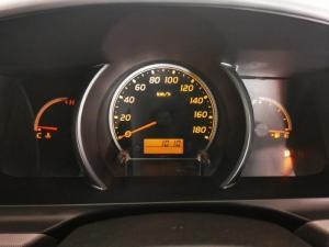 Toyota Quantum 2.7 panel van - Image 9