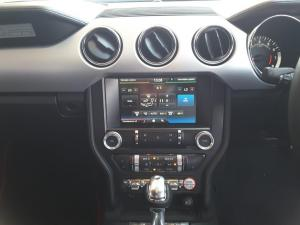 Ford Mustang 2.3T convertible auto - Image 10