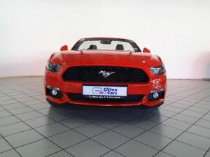 Ford Mustang 2.3T convertible auto - Image 2