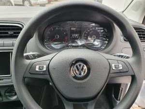 Volkswagen Polo Vivo hatch 1.4 Comfortline - Image 9
