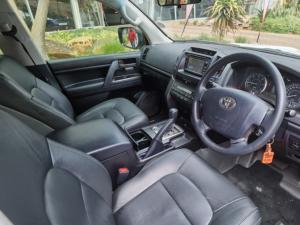 Toyota Land Cruiser 200 4.5D-4D V8 GX - Image 5