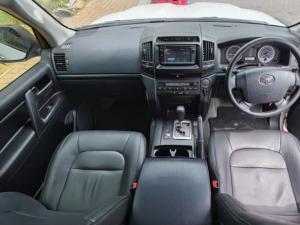 Toyota Land Cruiser 200 4.5D-4D V8 GX - Image 9