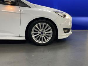 Ford Focus hatch 1.0T Trend - Image 5